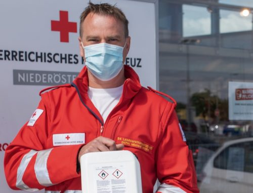 Bussetti donates disinfectant to the Red Cross in Lower Austria